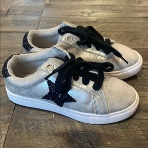 Wonder Nation Sneakers - 13